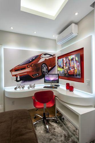 Quarto infantil com tema carro Ferrari vermelho