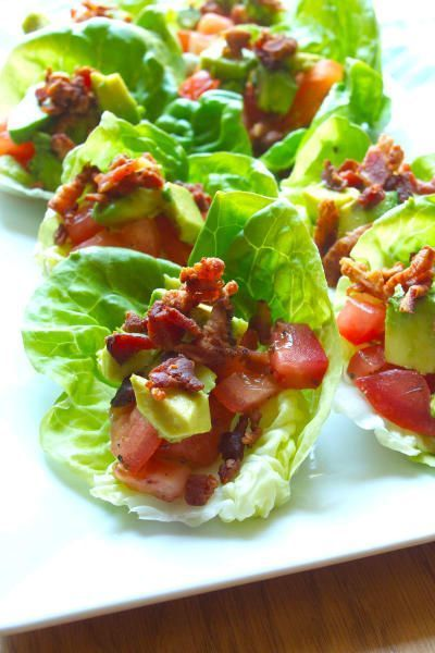 BLT avocado wraps make THE best appetizer for summer (and spring) parties! Some say it's the crispy bacon, which is worth the effort it takes to cook. Click through for recipe!