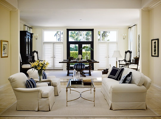 Chic Elegance Of Neutral Colors For The Living Room 10 Amazing Examples: Elegant Living Rooms In Neutral Colors Don't Like This One