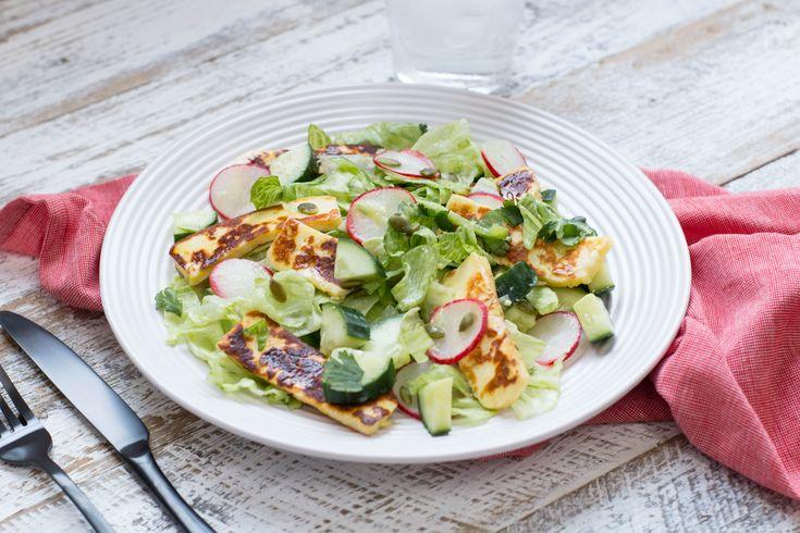 veg_chopped_salad_w_halloumi