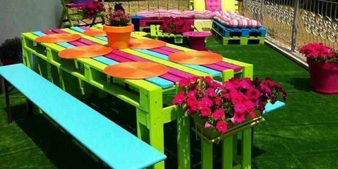 Mesa de jard n con palets me gusta esta decoraci n for Mesas de palets para jardin