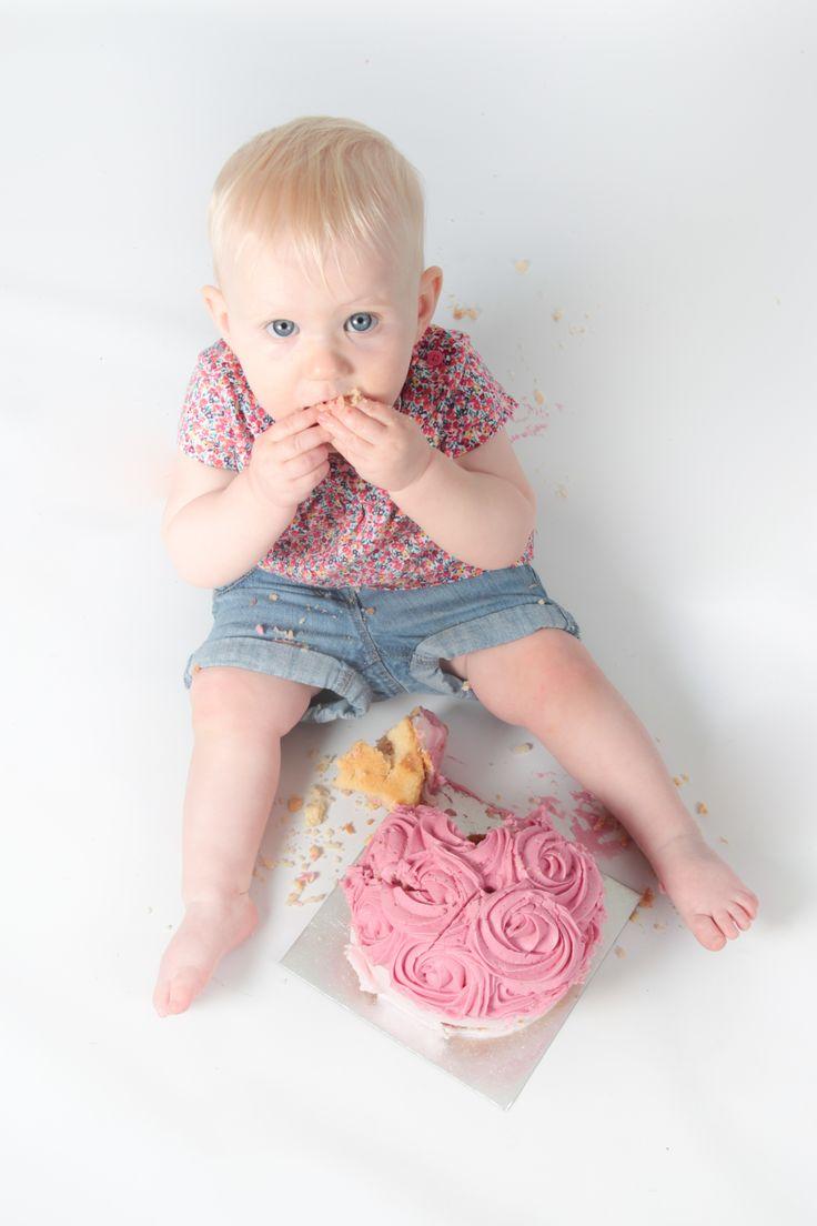 Child cake smash portrait #karensndfran
