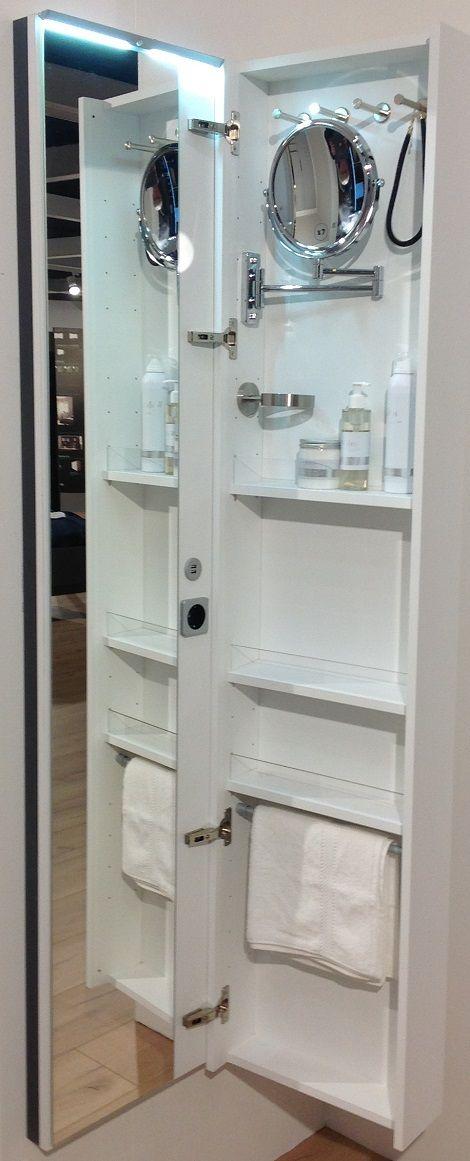 Toiletmeubel,kast met spiegel voor make-up,(opmaken 7 x vergroot spiegelglas) , passpiegel,stopcontact,USB stick  Merk : Nolte  Kleur: wit, grafiet of houtkleuren van de Nolte kasten.  Slaapkenner Theo Bot  Dorpsstraat 162  Zwaag