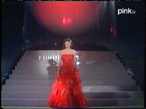 Mireille Mathieu- Amour défendu - YouTube