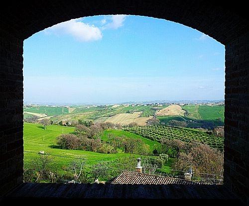Loretello Castel near Arcevia - Marche - Italy Photo by Stefano Ambrosini