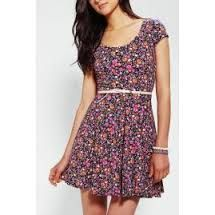 Resultado de imagen para vestidos floreados juveniles con tirantes