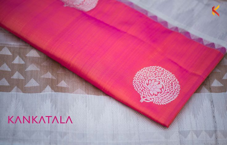 Kankatala offers you the smoothness of Banaras Pure Silk Saree interwoven with a blend of pink and purple colors laden with a temple jute border.  The zari work with floral buttas hither and thither add grace and glitter to the occasion.  #banarasisaree #traditional #saree #kankatala #indianwear #sixyardslove #butta #sareelove #banaras
