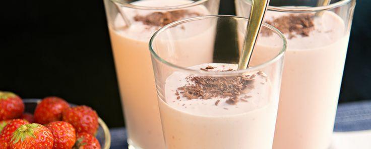 Amarulashake amarula likööri kuohuviini jäätelö suklaarouhe jälkiruoka drinkit juomat