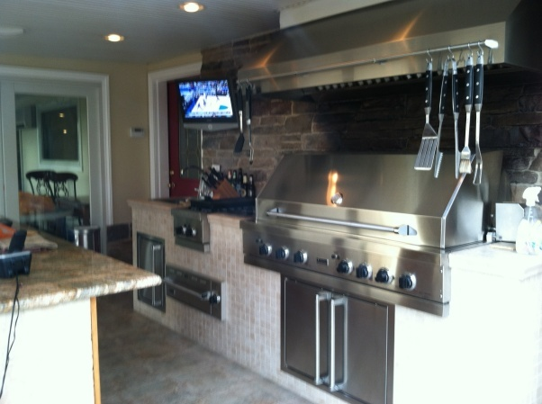 Best indoor kitchen grill gallery interior design ideas for Indoor outdoor kitchen designs