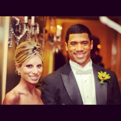 Russel Wilson's Wife Ashton Wilson..I am so heartbroken! :'(