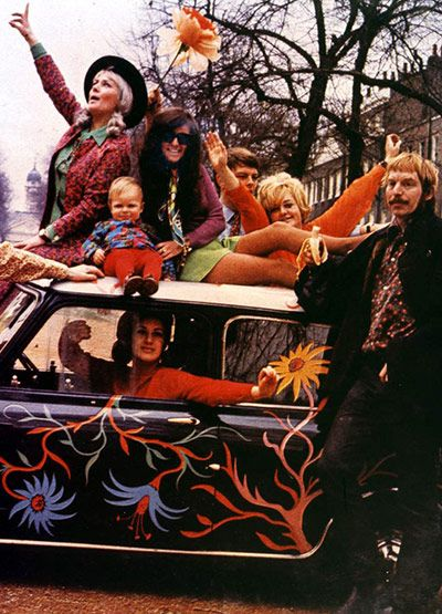 Hippies  The hippie movement of the 1960s based itself on the concept of not conforming to socially approved patterns of behaviour and indulging in a form of gentle anarchy. Nakedness was celebrated ...