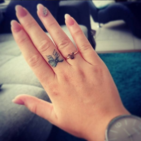 Girly Ideas For Bedrooms: 17 Best Ideas About Bow Finger Tattoos On Pinterest