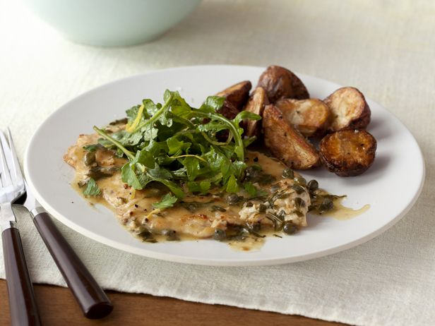 Simplest Chicken Piccata Supper #RecipeOfTheDay #FNMag: Lights, Food Network, Tasty Recipe, Chicken Piccata, Chicken Picatta, Piccata Recipe, Dinners, Tonight Dinner