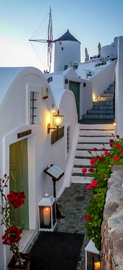 Oia, Santorini, Greece°°