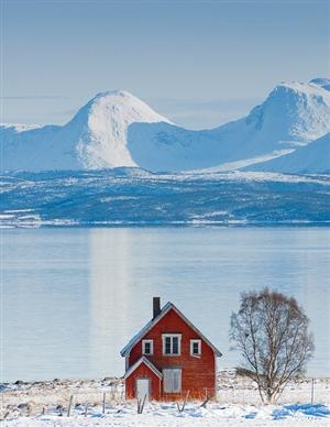 Little red house  {Norway}