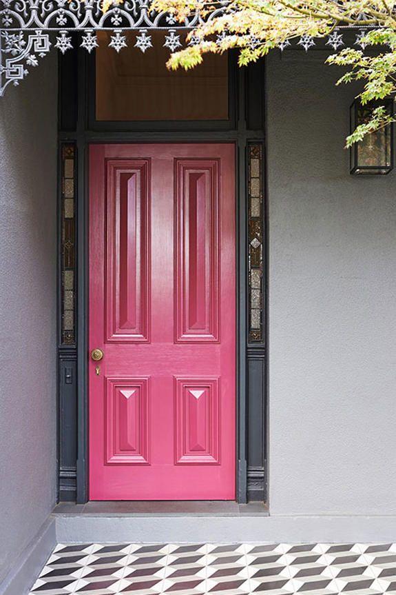 Tour Hilary Duff S Retro Glam Home Pink Front Door Pink Door