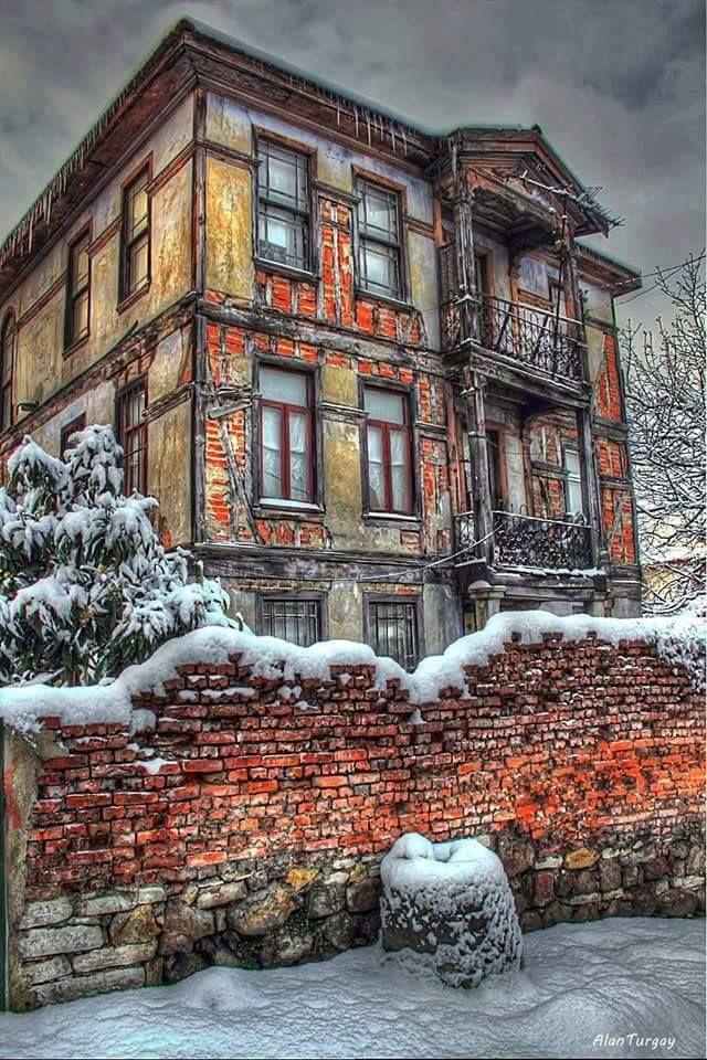 Ottoman house by  Alan Turgay      Anadolu ev mimarisi. . Yolunuz hep güzelliklerden geçsin.