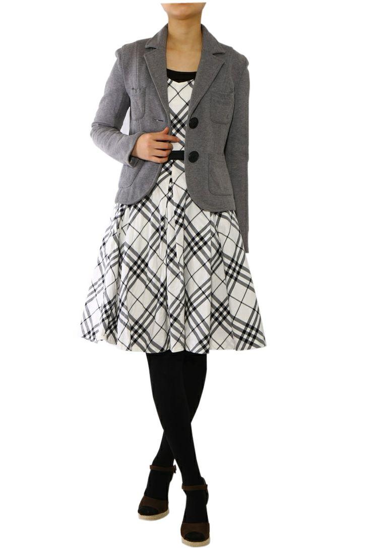 ホワイトを基調としたチェックとウエスト切替のリボンが とてもキュートな印象のワンピース! 裾にかけてふんわり広がり女性らしいシルエットに。 上にボレロやジャケットを羽織って上品に着こなして。  >http://bbl-shop.com/?pid=73012348