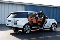 Range Rover Supercharged LWB Review: The $121,000 Gentleman's Tank - Bloomberg Business