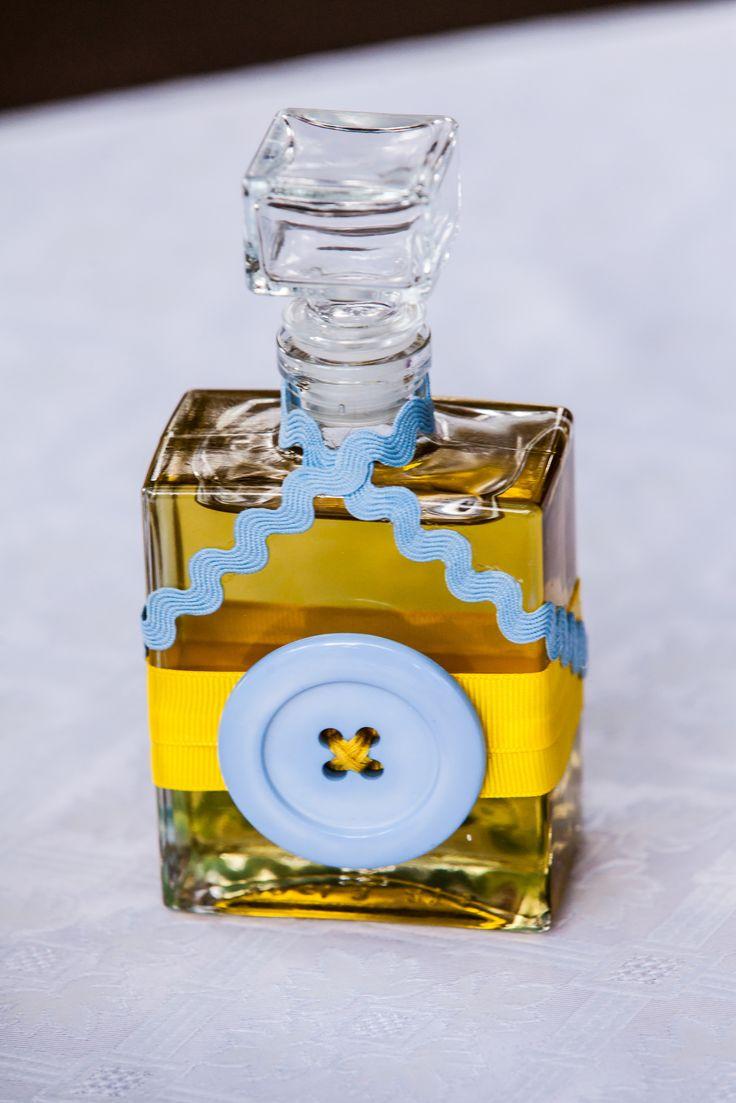 Το μπουκάλι με το λάδι.