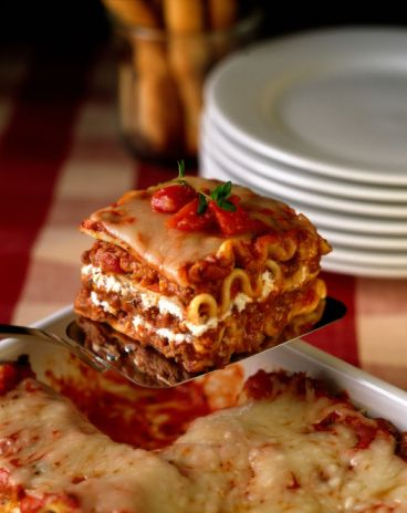 Basic Lasagna Recipe - Recipe for Lasagna with Meat Sauce