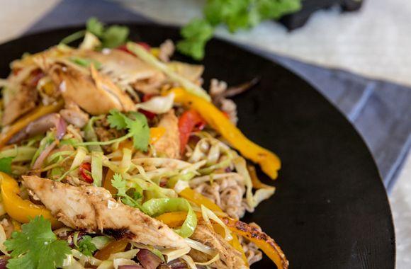 Kylling i wok med peanutsauce