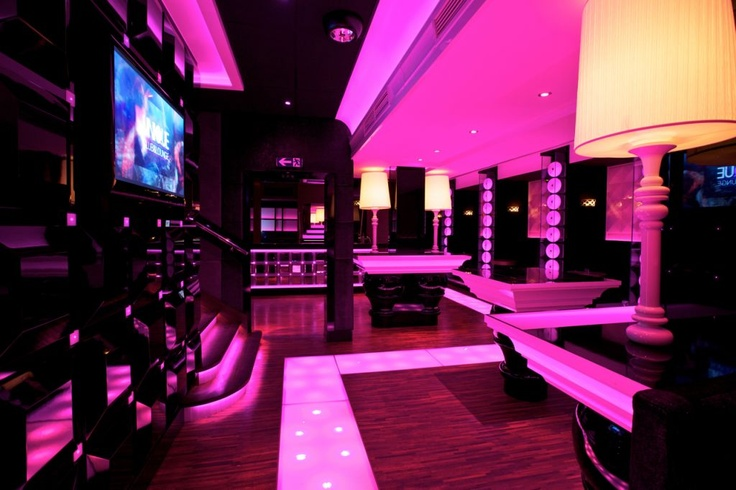 Unique Club and Lounge - my favourite spot for eat, drink and dance:)