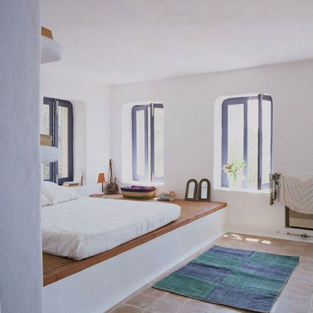MasterBedroom || YESSSSSSS. those colors are beautiful! especially the white bedspread.