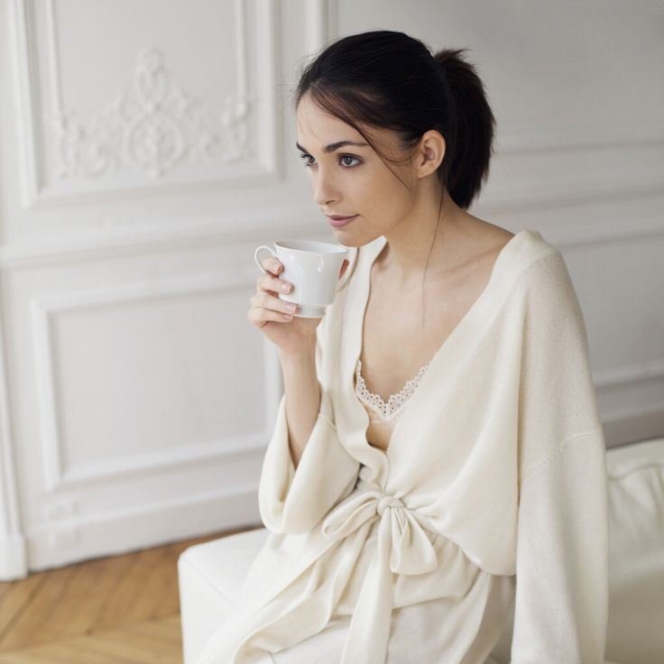 Balmuir cashmere robe is the best mothers day gift, available at www.balmuir.com