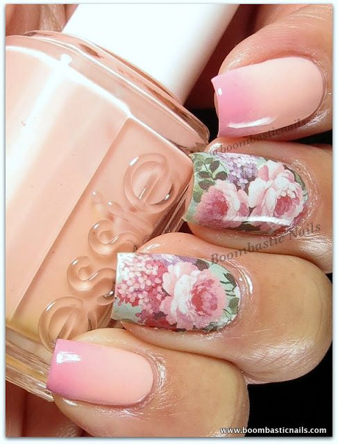 Pastel peach and pink gradient with Vintage Flower print feature nails #nalart Source