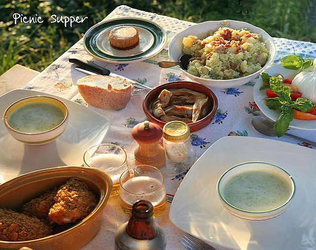 It's #NationalPicnicWeek, come help Smythen Farm celebrate with our 10 fascinating facts about #picnics.