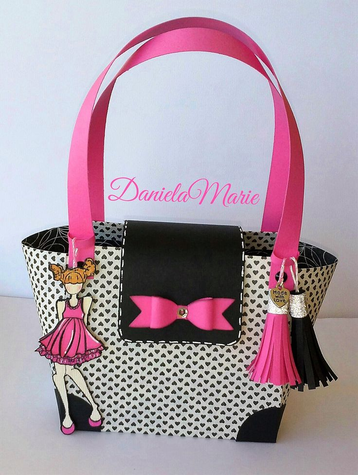 Party girl doll <3 - By Daniela Alvarado. Paper purse with tassels.