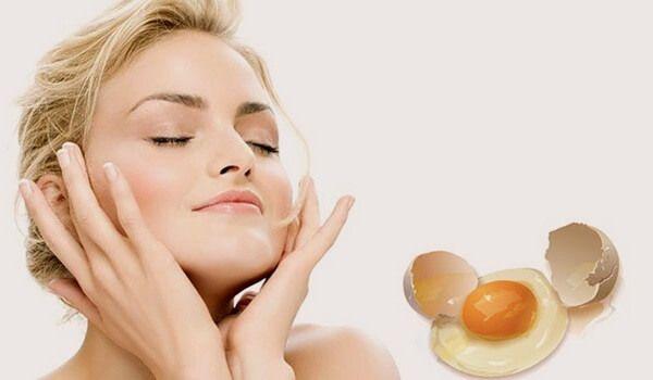 Какие маски с яйцом можно сделать в домашних условиях для укрепления волос и очищения кожи лица? Куриные яйца в качестве натуральных косметических средств
