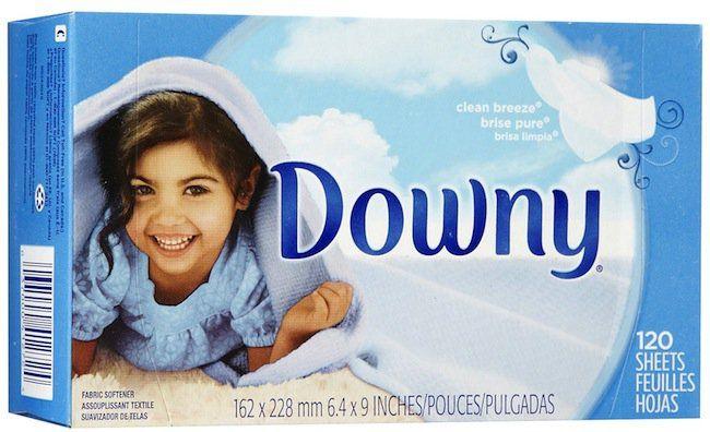 Household Hacks: Dryer Sheets.  Ne jetez plus vos lingettes de séchoir, recyclez une ou même deux-trois fois.