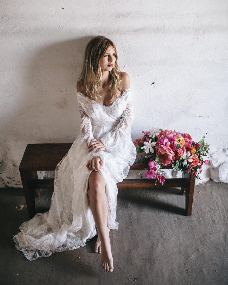 @floraandlane are hitting Australian shores thanks to @lovemariebridalboutique trunk show! For the bohemian bride... October 8 and 9 at Love Marie: Suite 1, 90-100 Argyle Street, Camden NSW 2570 Australia. Appointments essential. Call 0418869341. #bride #weddingdress #bridalinspo #styledshoot #floraandlane #bohemianbride #romanticwedding #whitemagazine