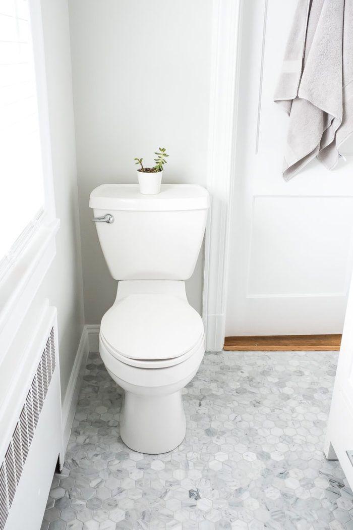 Master Bathroom Renovation White Bright Small Bathroom Eating Bird Food Master Bathroom Renovation Small Bathroom Bright Bathroom