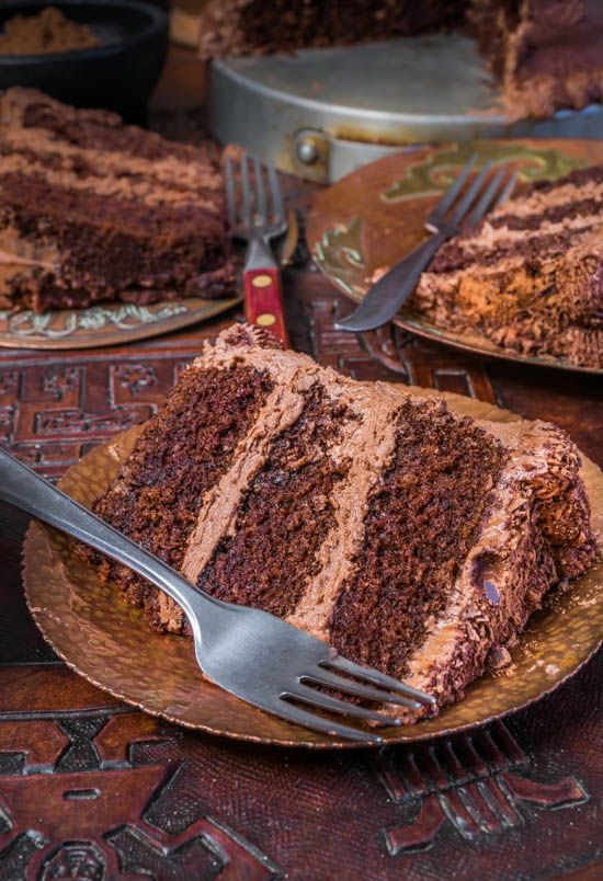 Aztec Chocolate Chipotle Cake with Cocoa Buttercream Frosting3