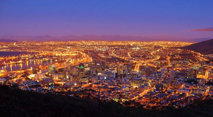 Your Guide to Cape Town Holiday Rentals & Luxury Accommodation.     Cape Town Vacation Rentals - Serviced & Furnished Holiday Homes, Villas, Bungalows and Apartment Rentals throughout the Western Cape.