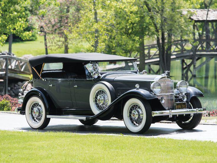 1932 Packard Eight Phaeton - (Packard Motor Car Company Detroit, Michigan 1899-1958)