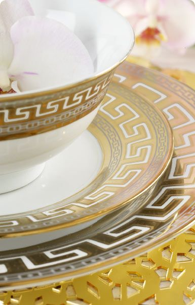 Ritz dinnerware set http://www.homechoice.co.za/Kitchen/Crockery/Ritz.aspx