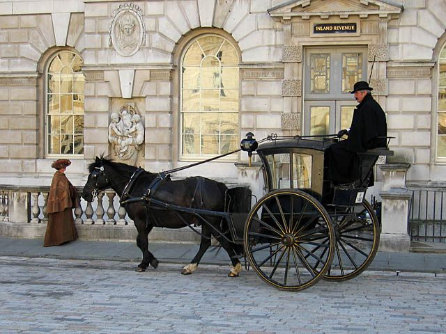 Horse-drawn carriage rides could be banned in New York City by 2016 if new legislation passes a vote. Ask lawmakers to show their support for the bill, which would eliminate the cruel and outdated overworking of horses.