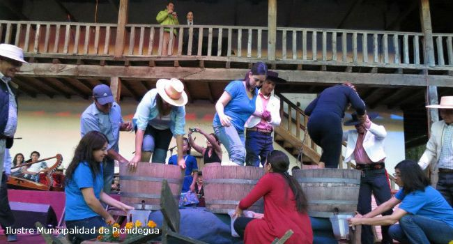 La fiesta del vino se traslada a Pichidegua. turismonacional.cl
