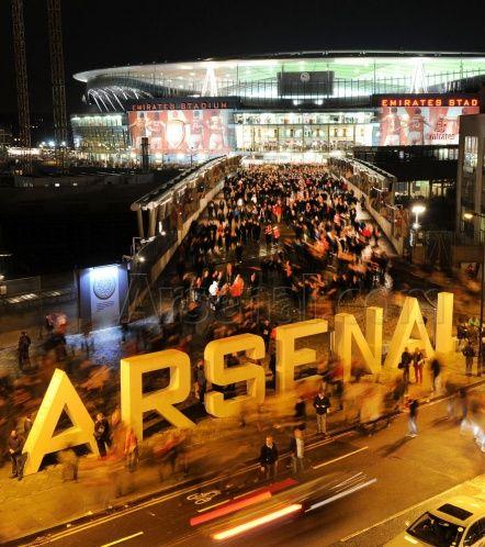 Fantastic time-lapse shot taken outside Emirates Stadium after #Arsenal v Olympiacos.
