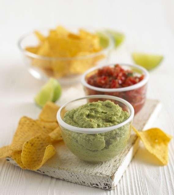 Prova la ricetta. Guacamole Il guacamole è una salsa cremosa a base di avocado originaria del Messico. Preparatela in pochi secondi e proponetela come spuntino o antipasto.