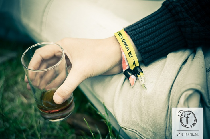Most important items on the festival: the Oerol entrance wristband and money (for drinks & food)