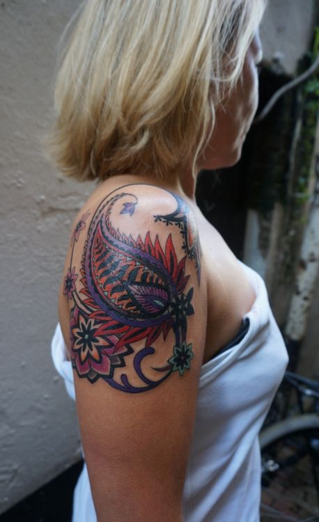 Cover - up on Mareike from Germany: colourful paisley flower power..
