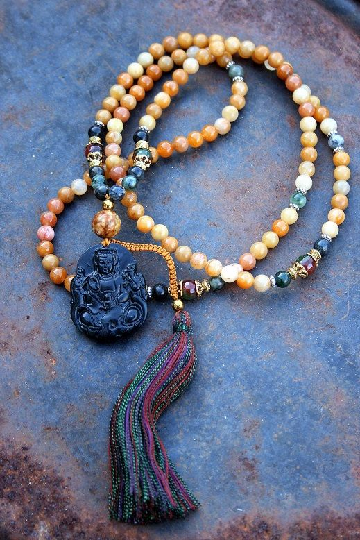 Mala made of 108, 8 mm - 0,315 inch, beautiful jade gemstones and decorated with jade, faceted agate and a black jade Kwan Yin pendant - Made by look4treasures