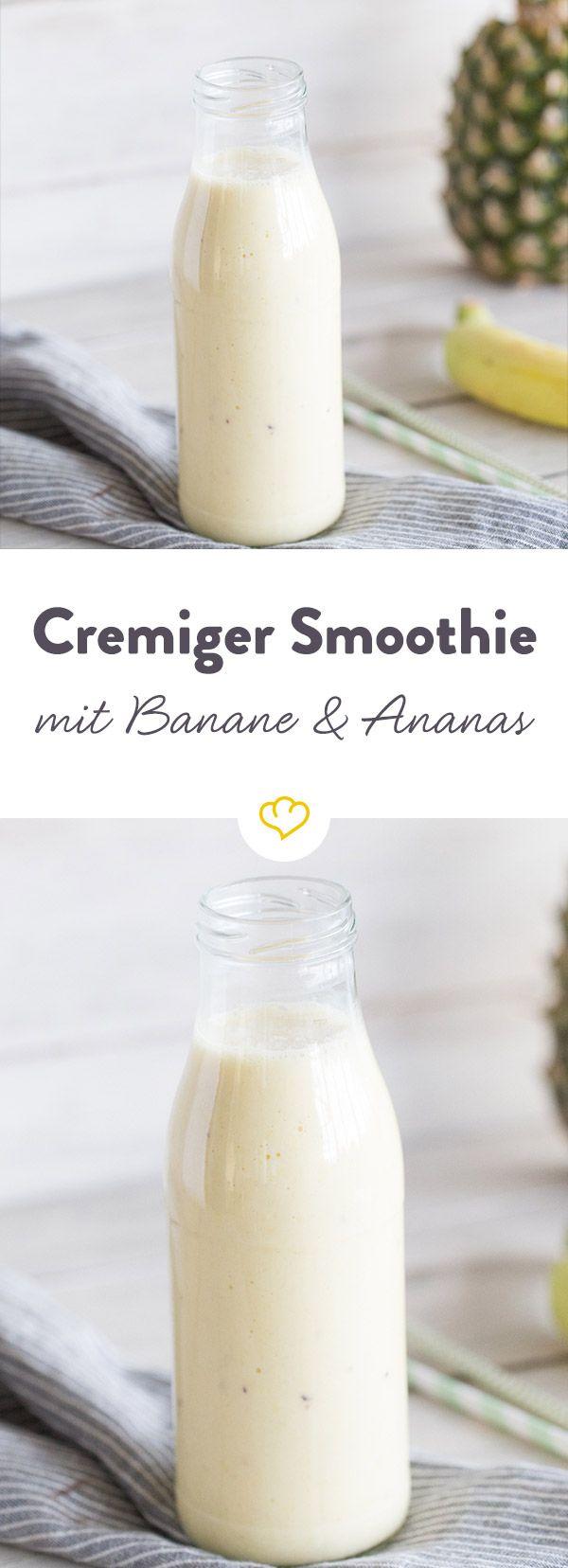 Cremiger Smoothie mit Banane, Ananas und Orange