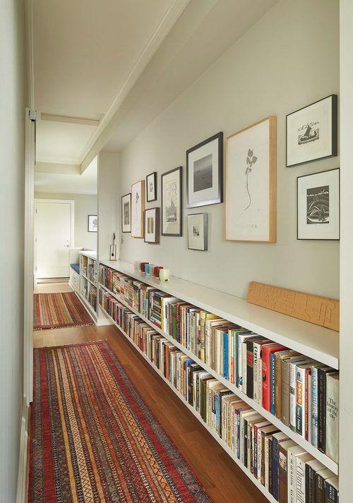 Könyvespolcok egy hosszú folyosón by mamandala | We Heart It