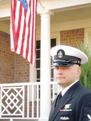 Officials dedicate Ratzlaff Avenue; U.S. Navy SEAL died in Afghanistan - News - HDT Mobile